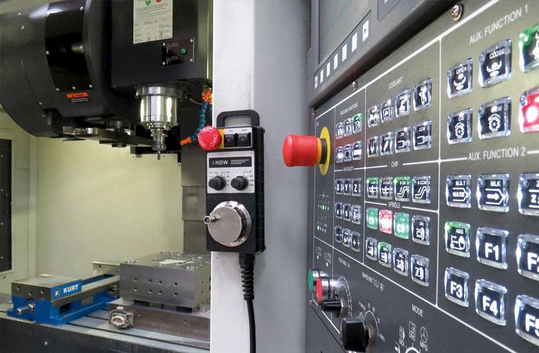 cnc_mecanizado_fabricacion_moldes_diseño_industrial_acero_inoxidable_servicio_mecanizado_4